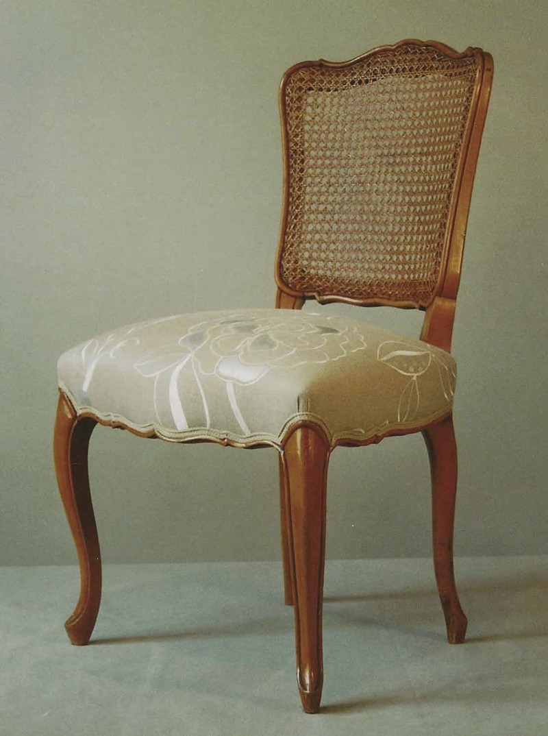 Chaise de style louis xv dossier cann pi ce unique for Chaise volante